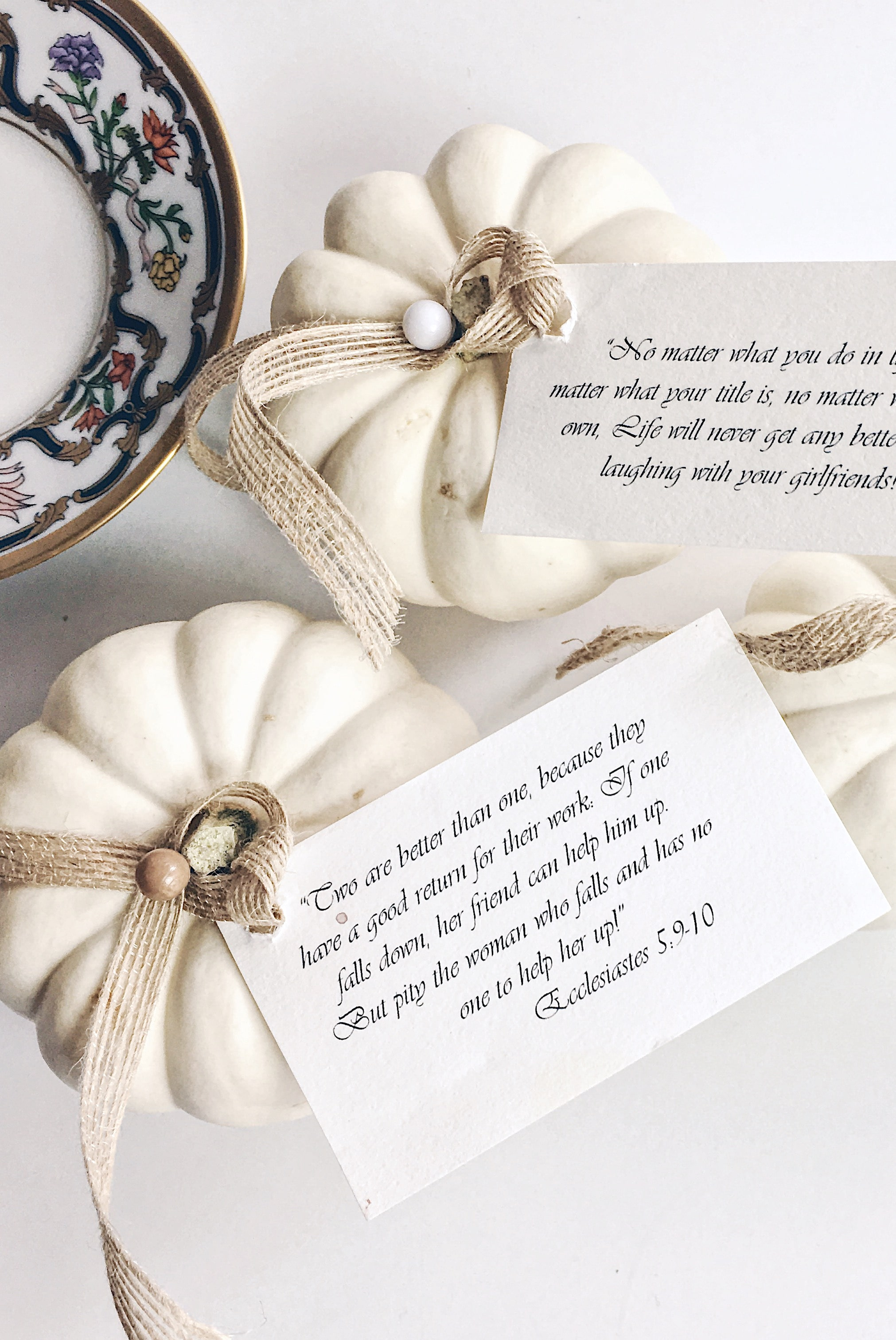 white-pumpkins-placecards.jpg