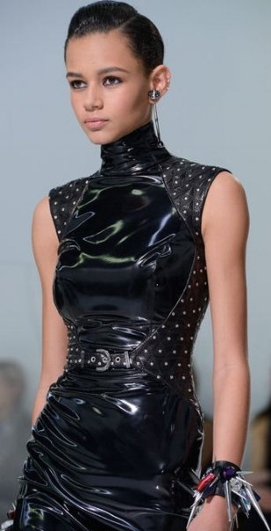 https://uk.pinterest.com/miiitos/fashion-future/