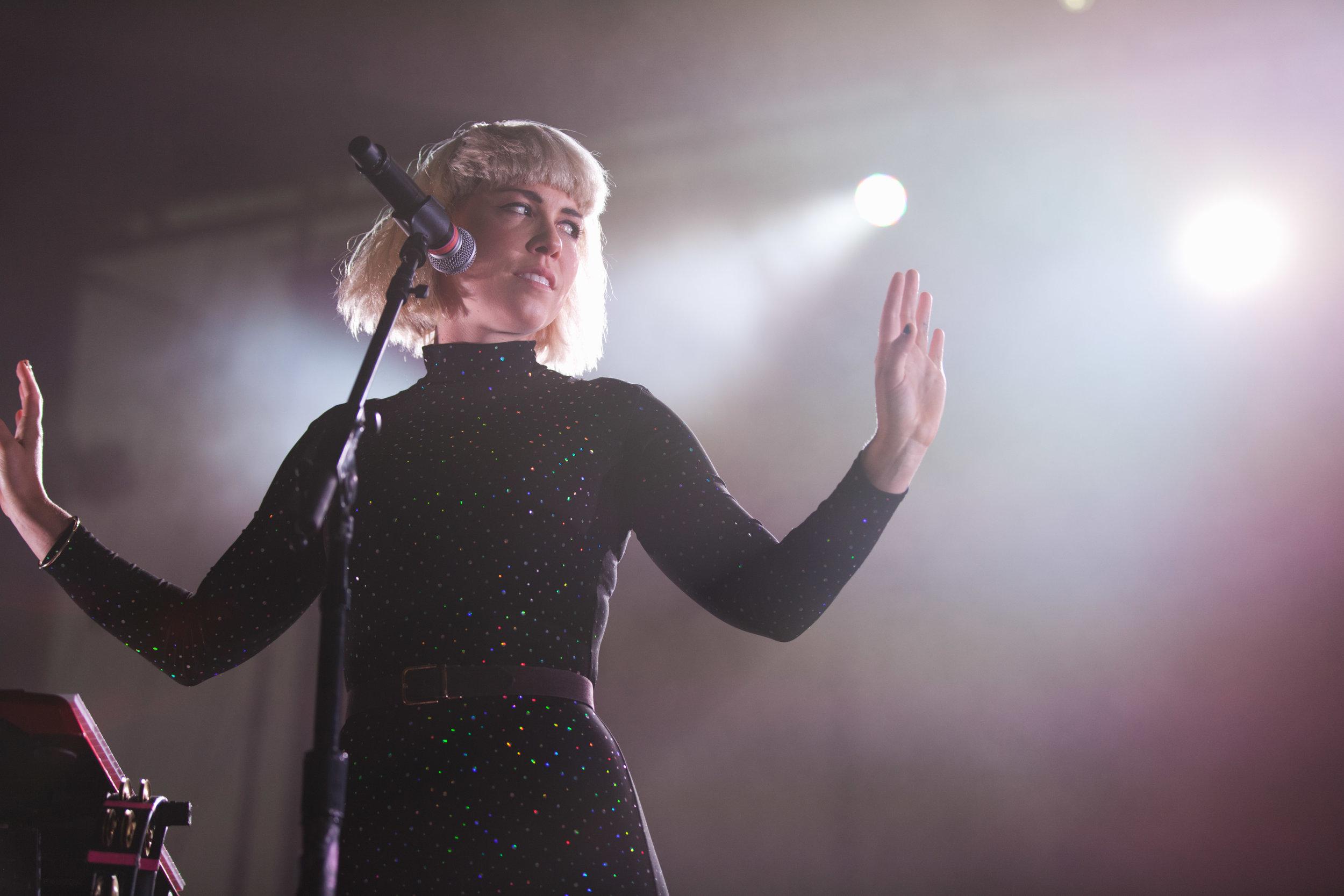 Grouplove-Hannah-Hooper-1.jpg