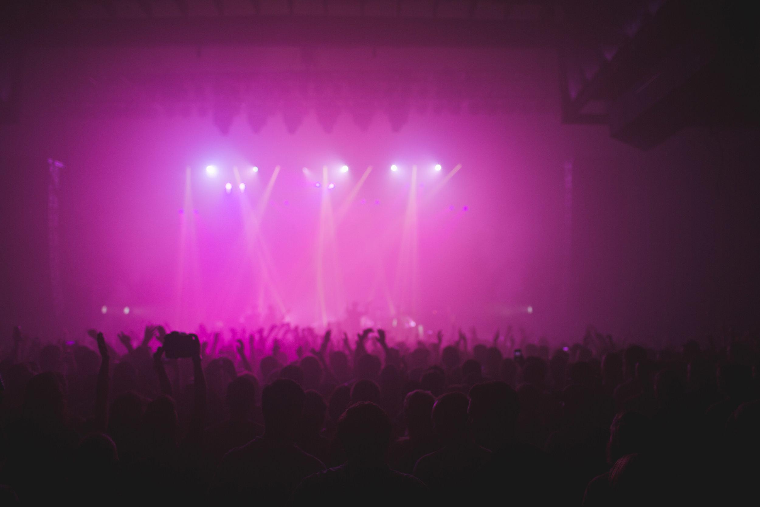 Tour-Music-Fans-2.jpg