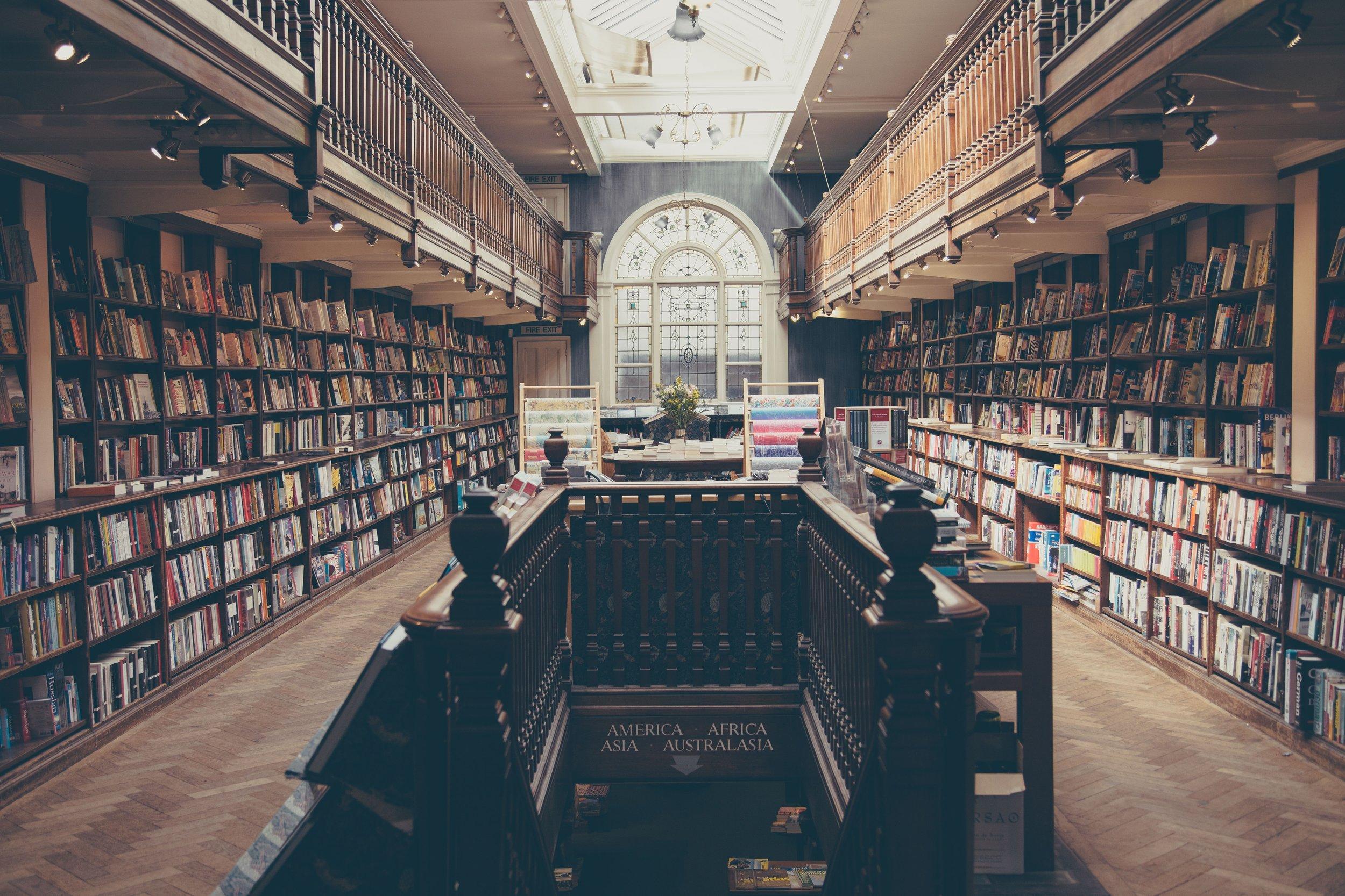 novel-read-open-white-building-old-706593-pxhere.com.jpg