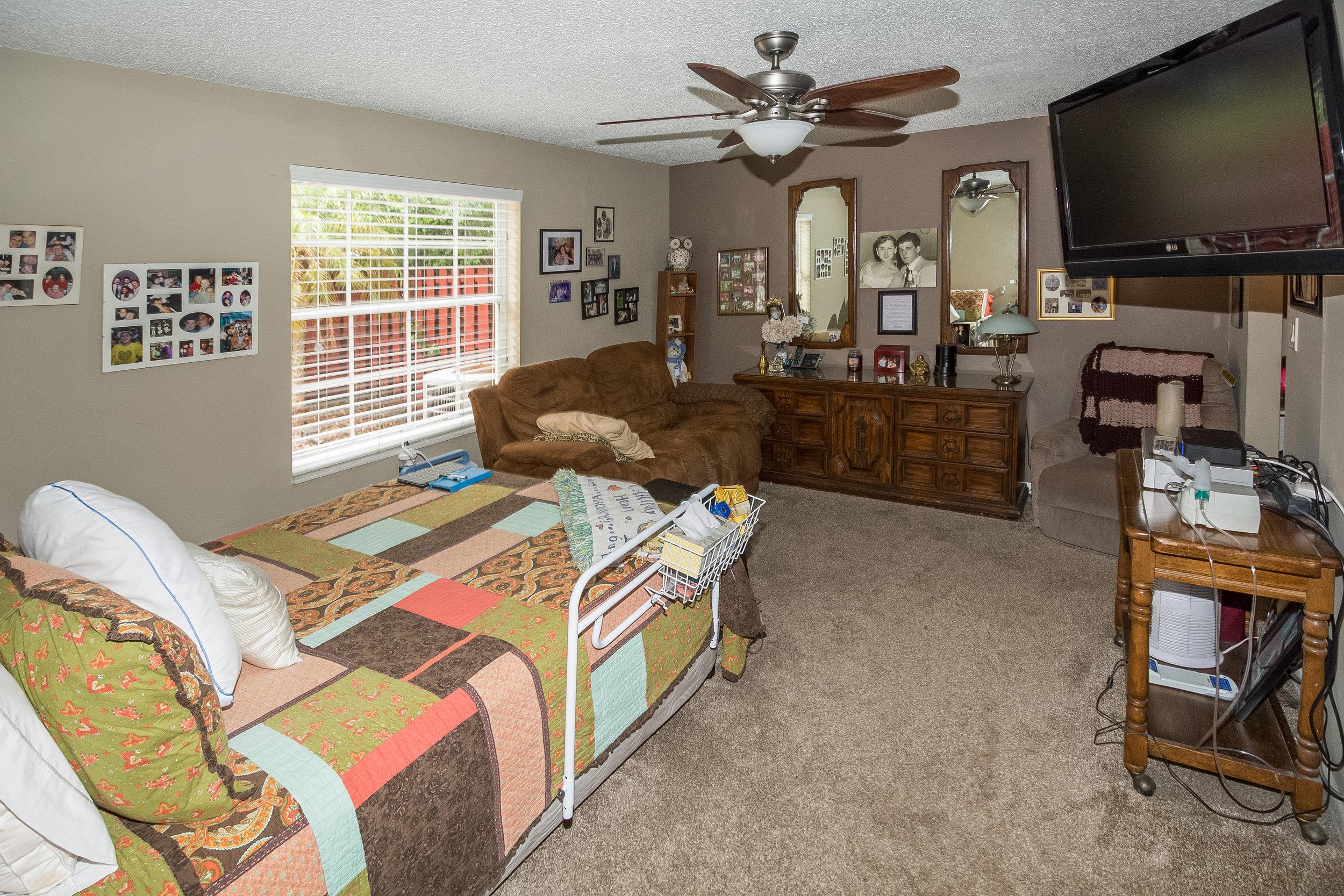 2651_E_Saratoga_Drive_MLS_HID1139672_ROOM7.jpg