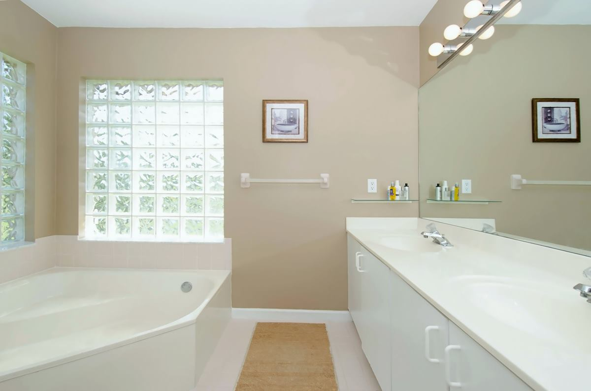 masterbathroom1_1200.jpg