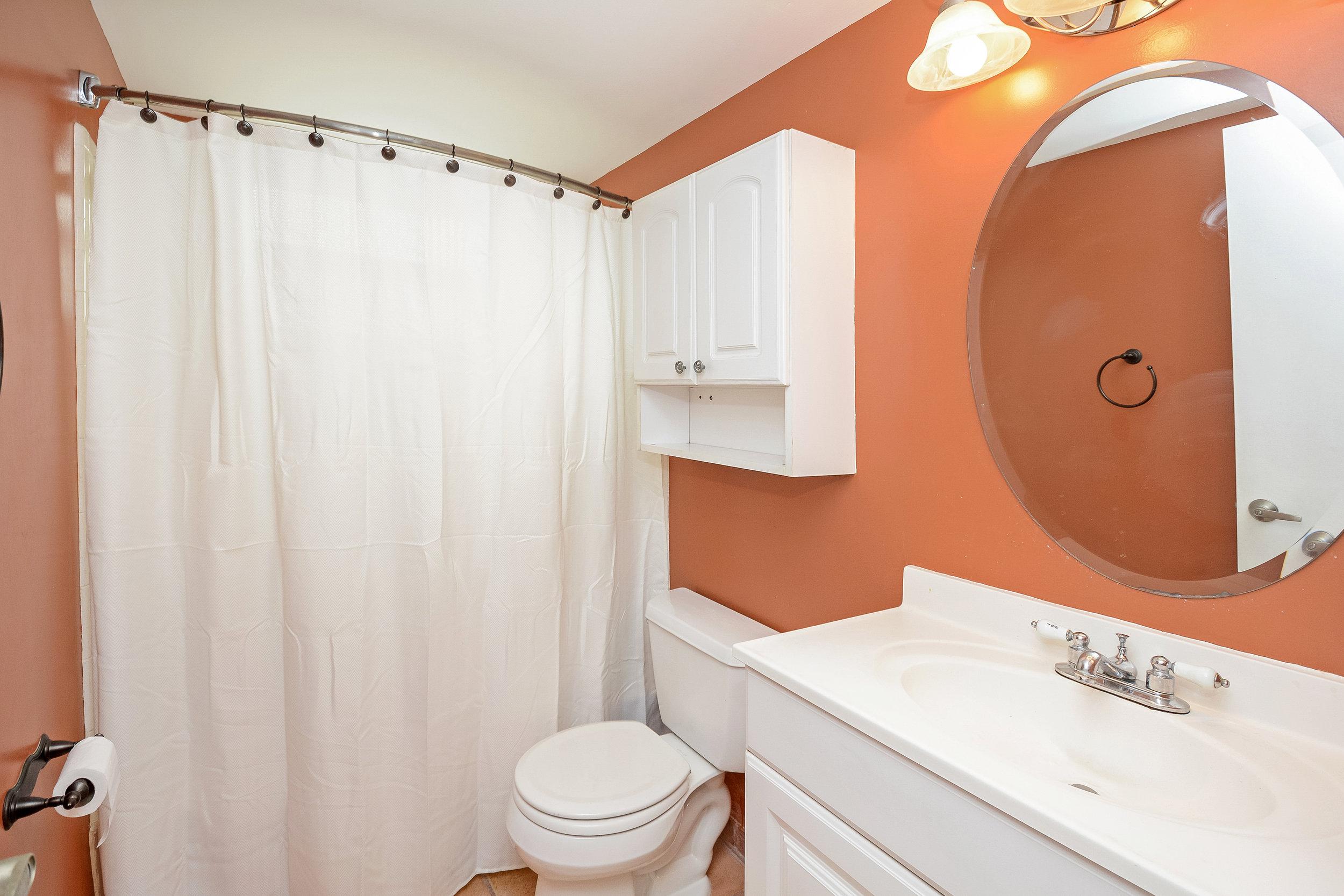 1200_sw_12th_st_217_MLS_HID1120027_ROOMbathroom.jpg