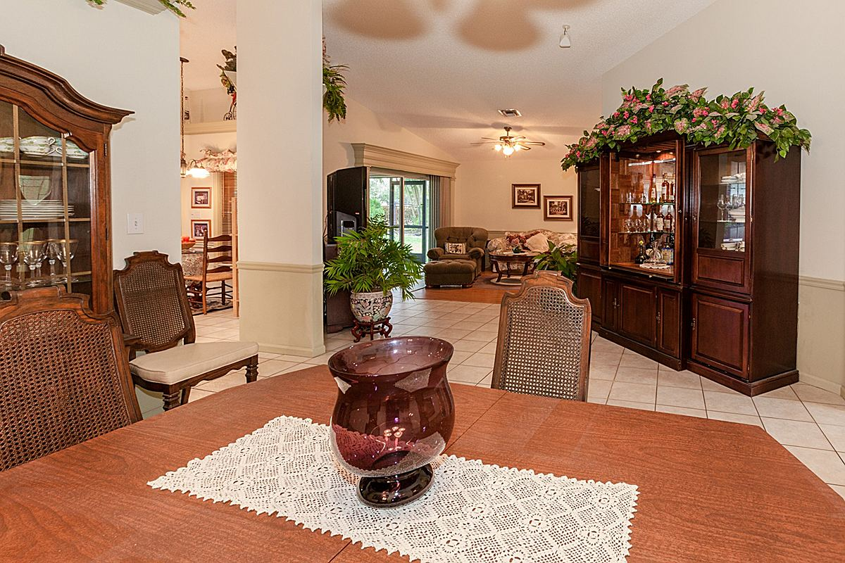 diningroomlivingroom_1200.jpg