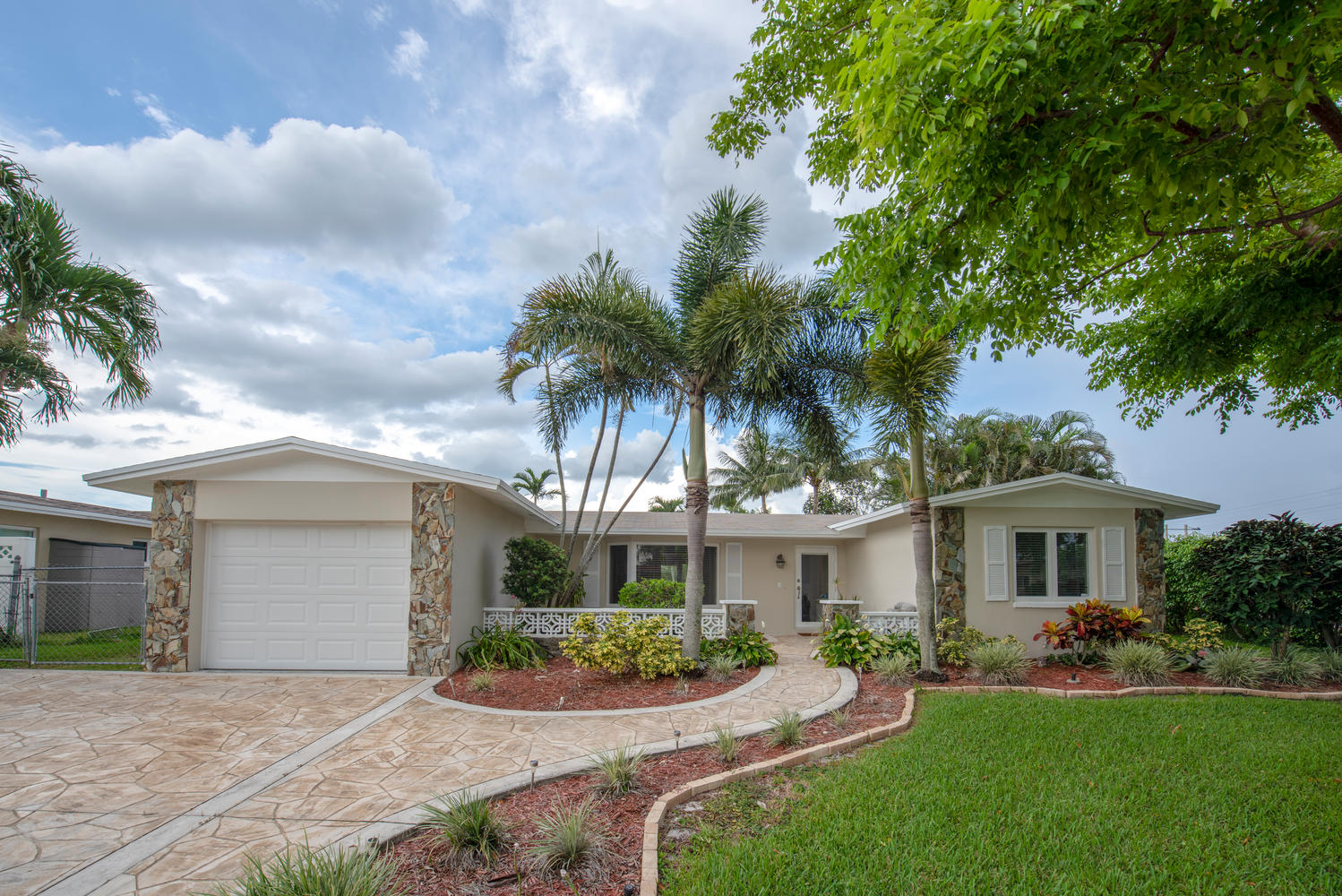 9311 NW 20th Ct Pembroke Pines-large-002-2-Exterior  Front-1499x1000-72dpi.jpg