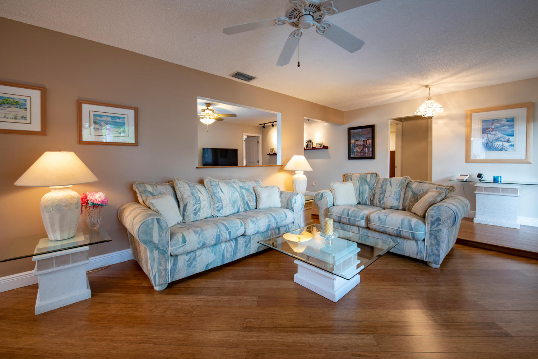 9311 NW 20th Ct Pembroke Pines-large-006-13-Living Room-1499x1000-72dpi.jpg