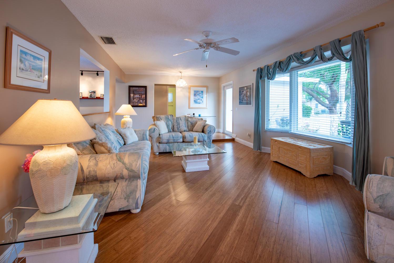 9311 NW 20th Ct Pembroke Pines-large-007-17-Living Room-1499x1000-72dpi.jpg