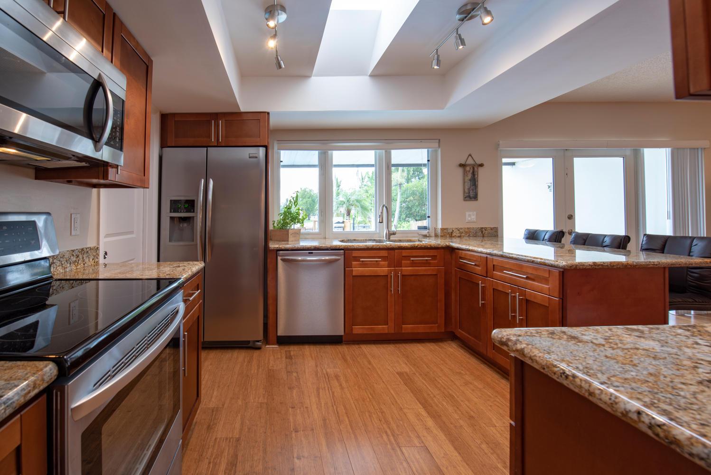 9311 NW 20th Ct Pembroke Pines-large-009-9-Kitchen-1499x1000-72dpi.jpg