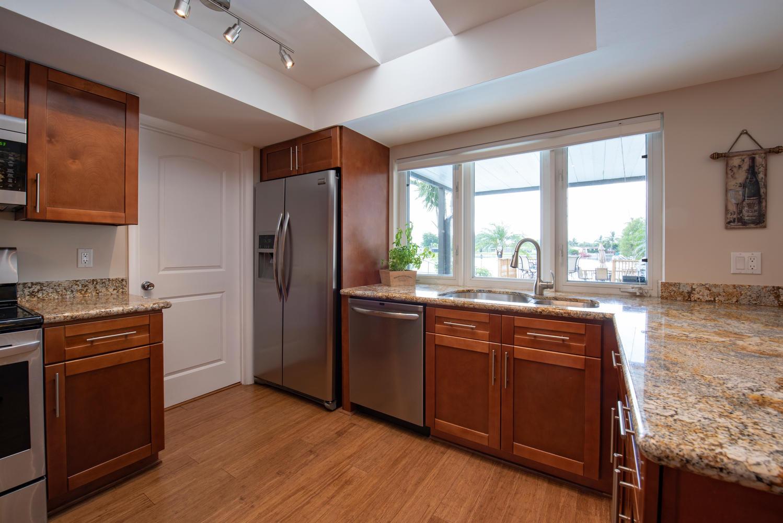 9311 NW 20th Ct Pembroke Pines-large-011-5-Kitchen-1499x1000-72dpi.jpg
