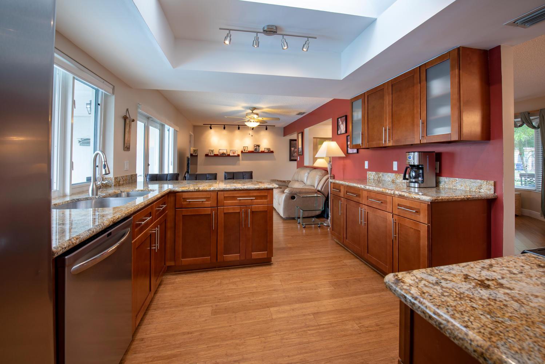 9311 NW 20th Ct Pembroke Pines-large-012-8-Kitchen-1499x1000-72dpi.jpg
