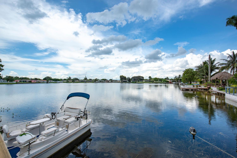 9311 NW 20th Ct Pembroke Pines-large-026-20-Lake View-1499x1000-72dpi.jpg