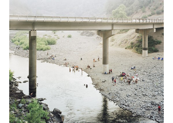 Youngsuk_Suh_bathers_under_bridge_4