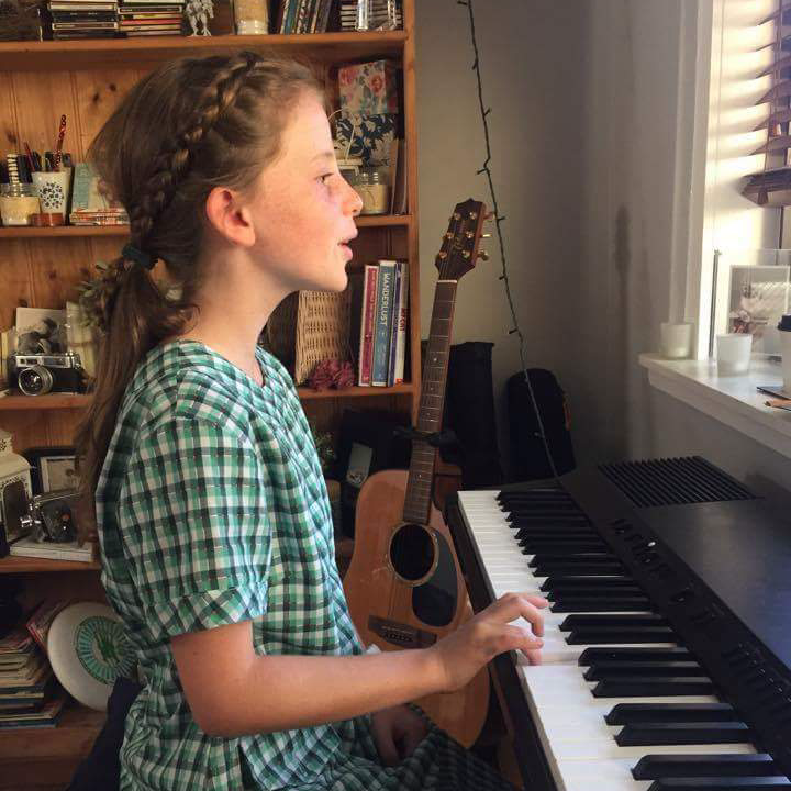 Daisy Piano.png