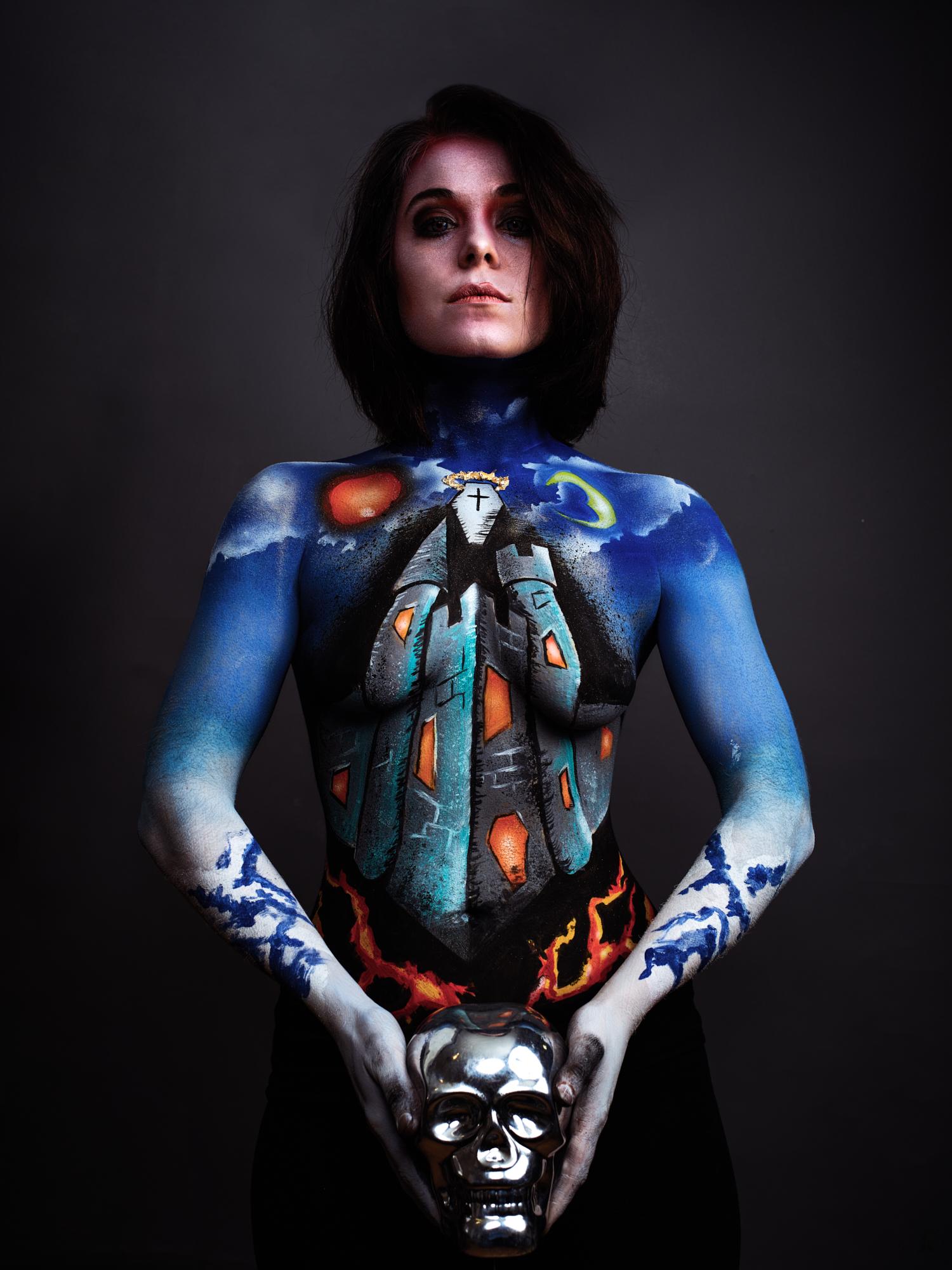 Model: Lauren Albert