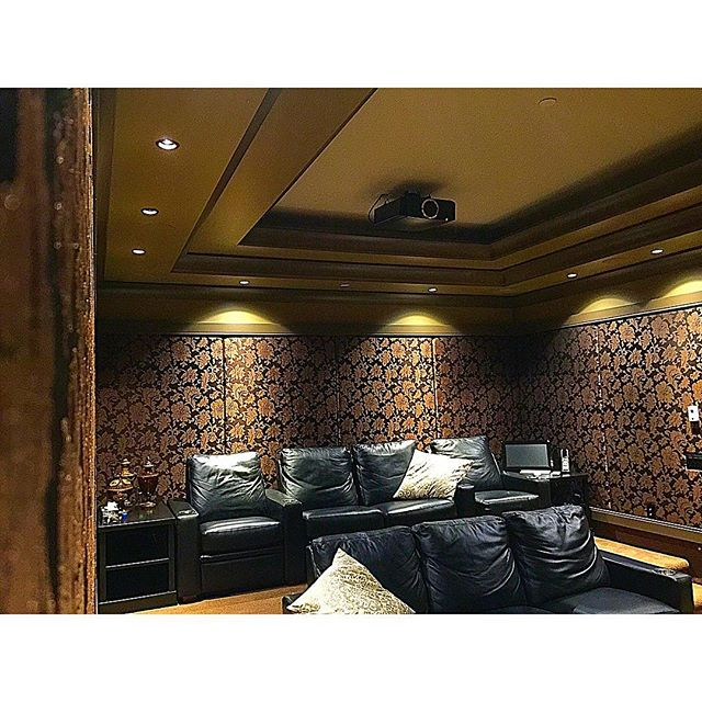 1/1 Classic cinema room we completed for our Adera Client #vancouver #interiordesign #architecture #yvr #hometheatre #lowvoltage #4k #jvc #thx #audio #video #design #luxuryhomes