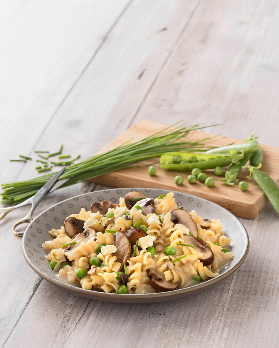 pasta-with-mushrooms-and-peas.jpg