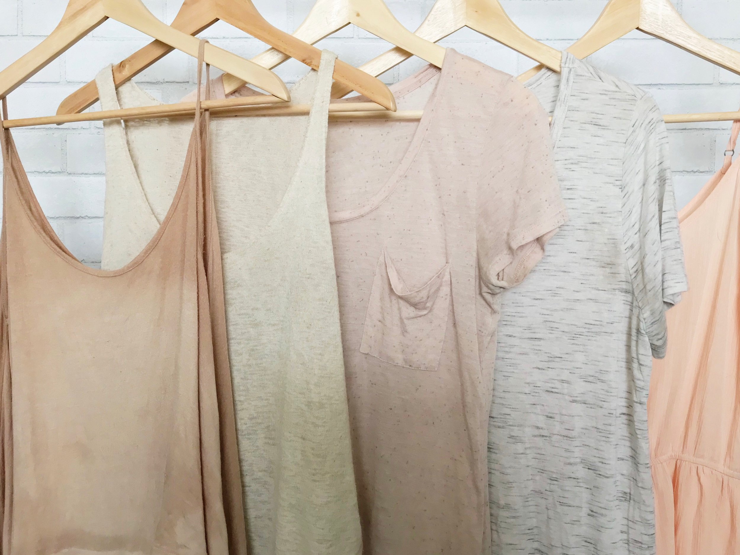 Summer Capsule Wardrobe @ Feather and Arrow