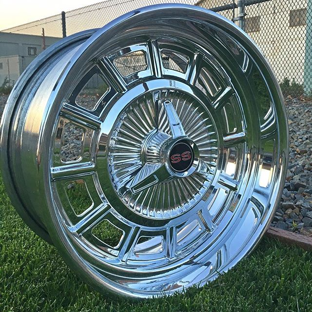 Here's the Impala hubcap, in a 20x10 #billethubcaps #billetwheels #impalass