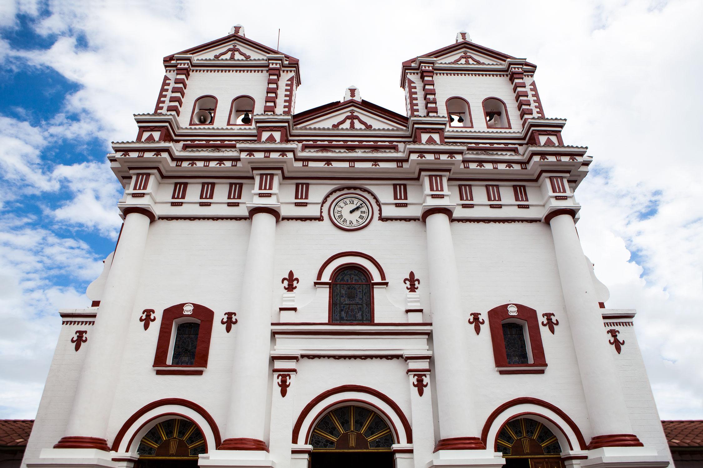 el-penol-guatape-colombia-wander-south-cathedral-Iglesia de Nuestra Senora del Carmen.jpg