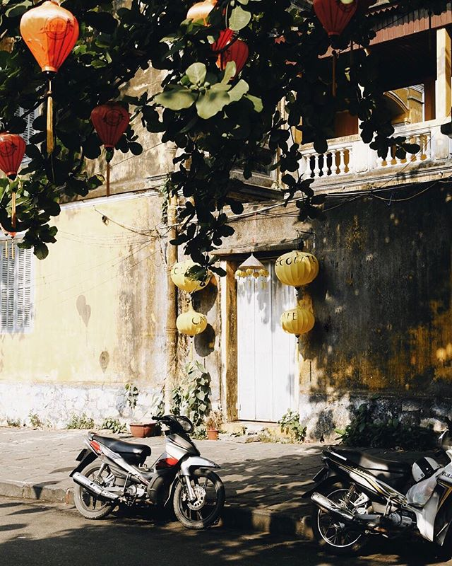 Out of office and in #LifeMode - Falling for Hoi An in all of its glory.  The dandelion yellow streets dappled with small bits of shade amidst the harsh light. Each street in old town packed with street carts, bars and most importantly ☕️. Using the @Palm continues to help me reflect on my technology use and helps me create a small mental oasis that I have on vacation, even when I'm at home 🏠 || #PalmPartner #jbarrtravels