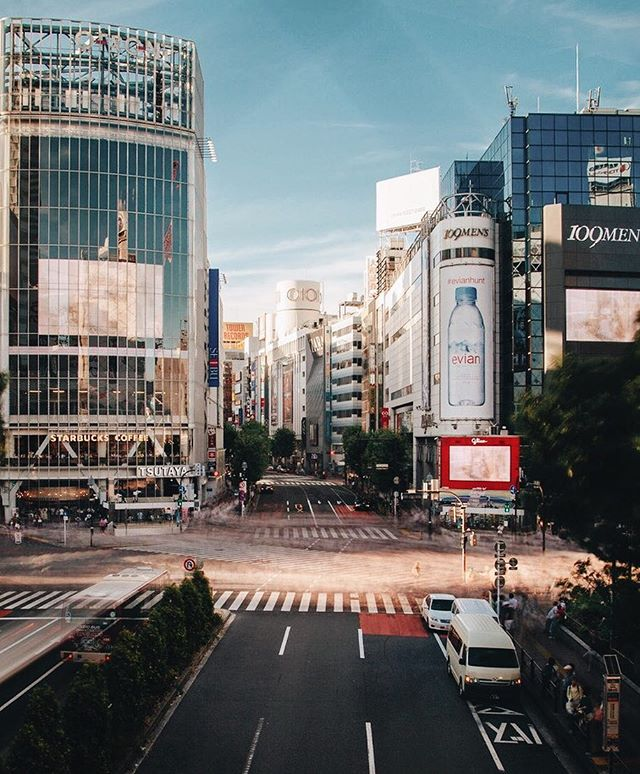 Shibuya Crossing 😍    #tokyo #jbarrtravels
