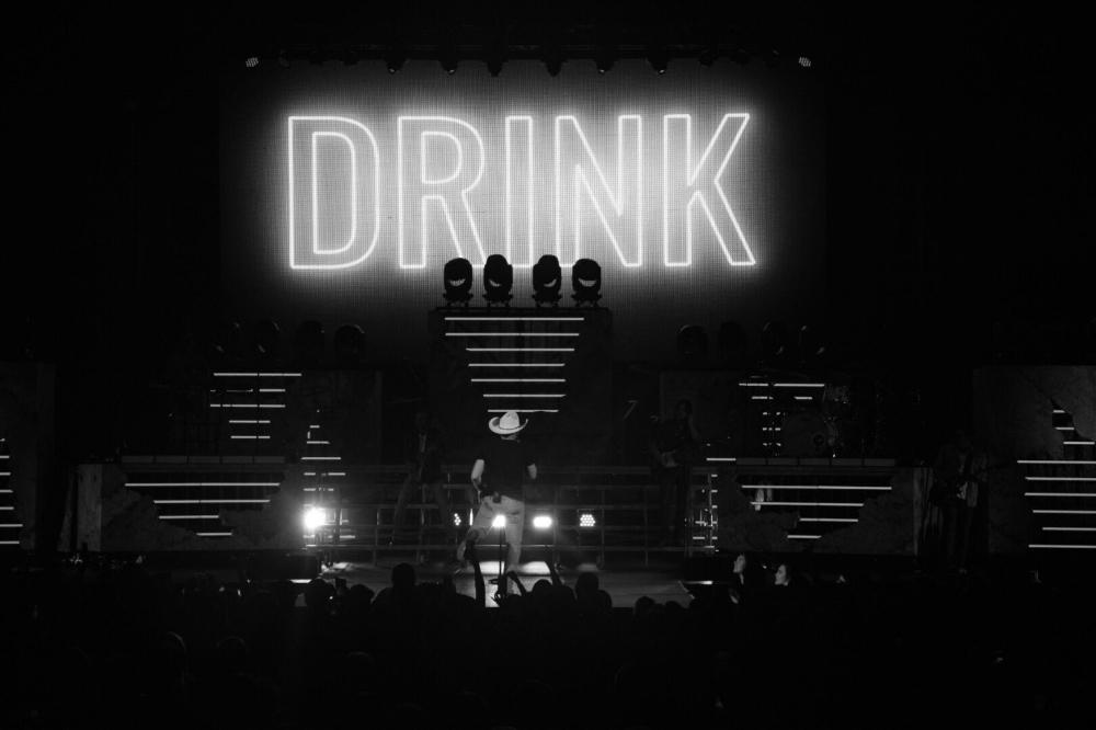 JUSTIN MOORE - KINDA DON'T CARE TOUR - 2017