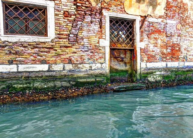 Venice-canal-Micha-Goff-640x460.jpg