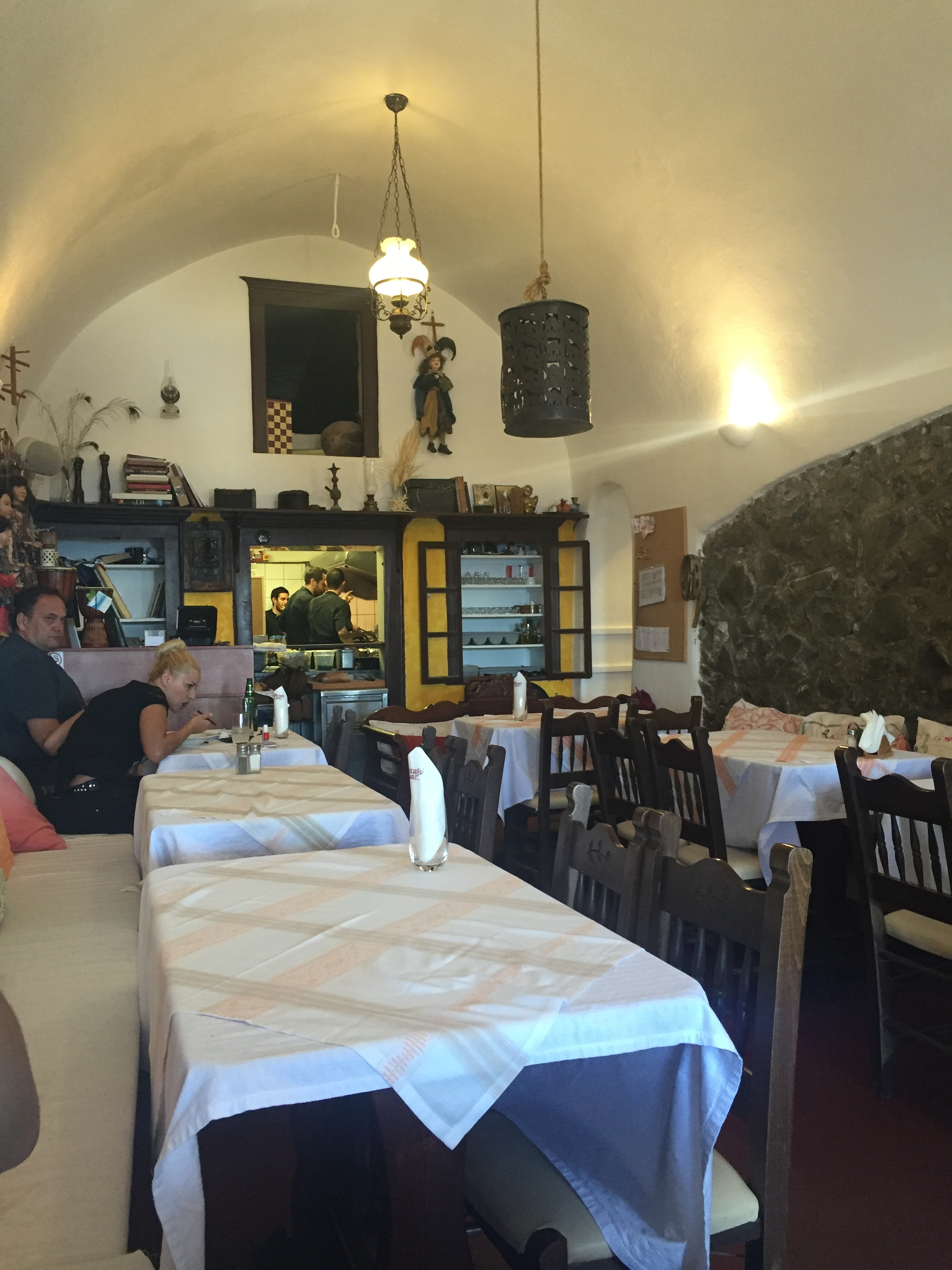 Quaint little spot with only 8 tables total, 4 on each side