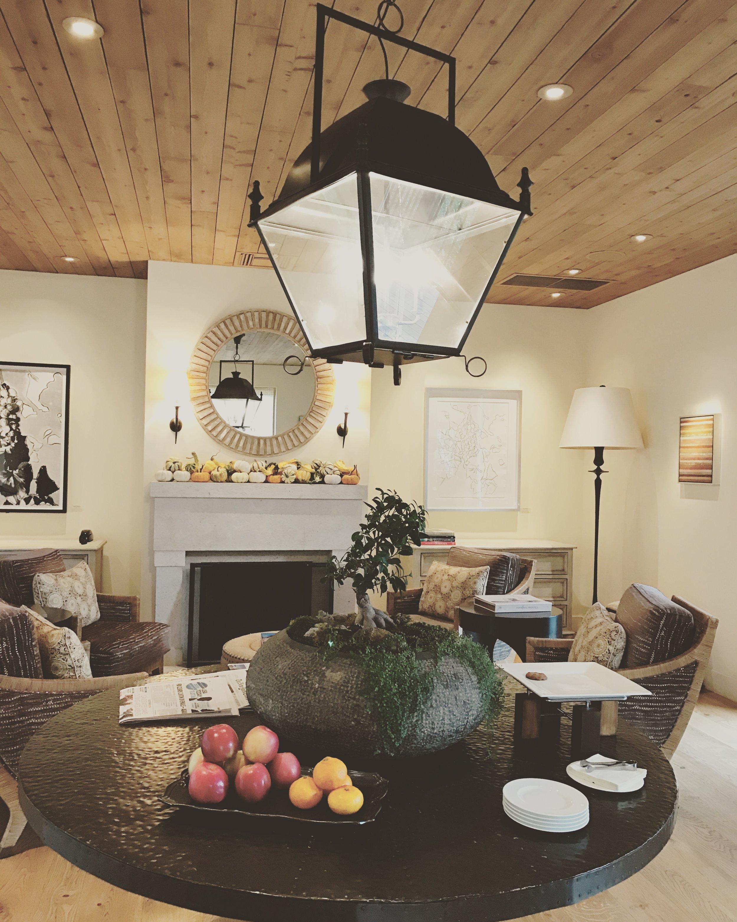 Auberge's Lobby/Reception Area