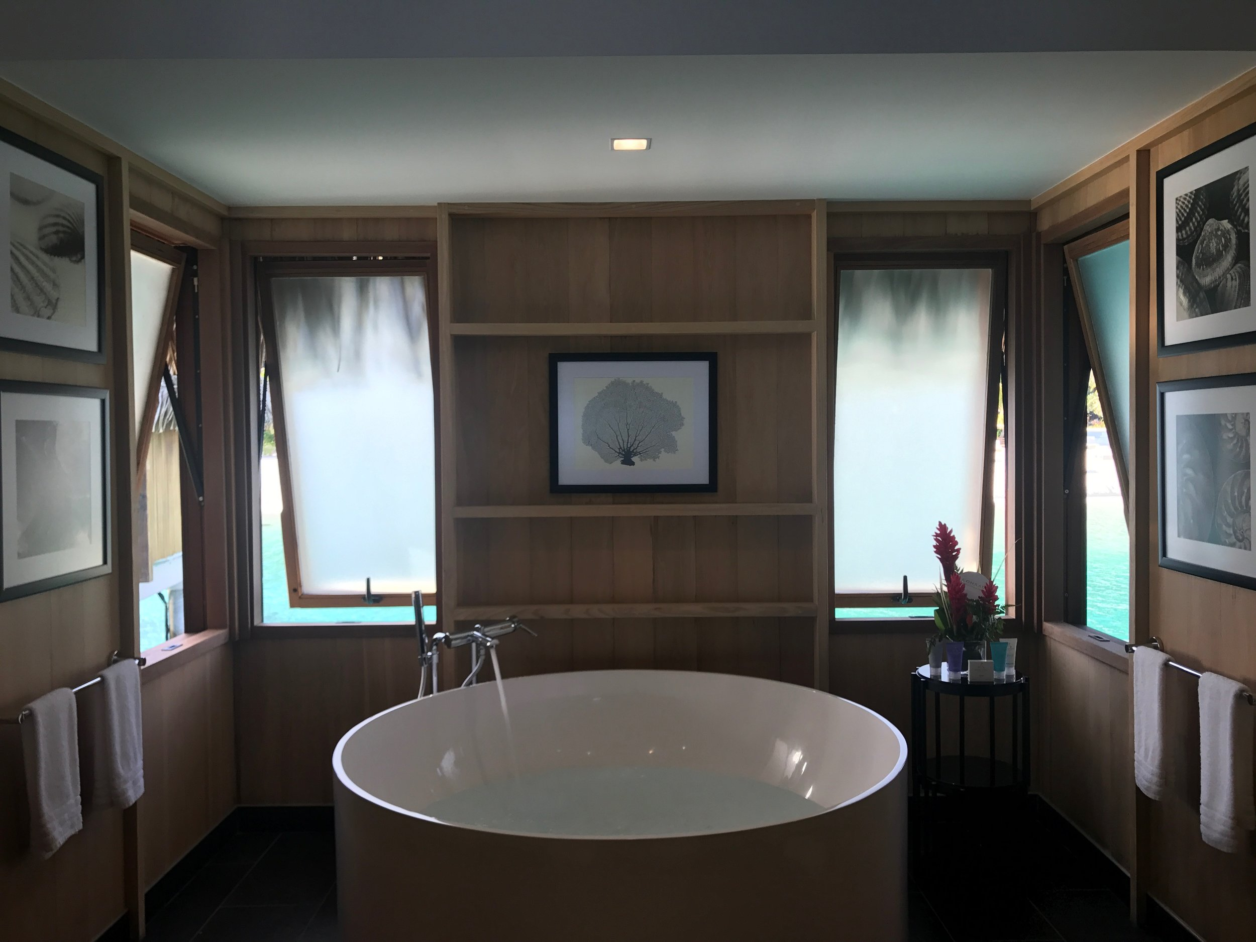 Having a large beautiful and clean bathroom is always a huge plus and oversize tub for those mama to be's who need a little pampering