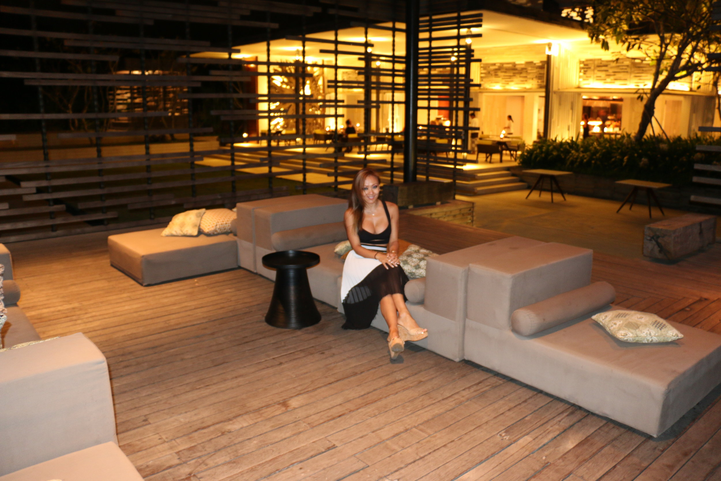 The lounge at night, nice but not quite the same as when there is some daylight.