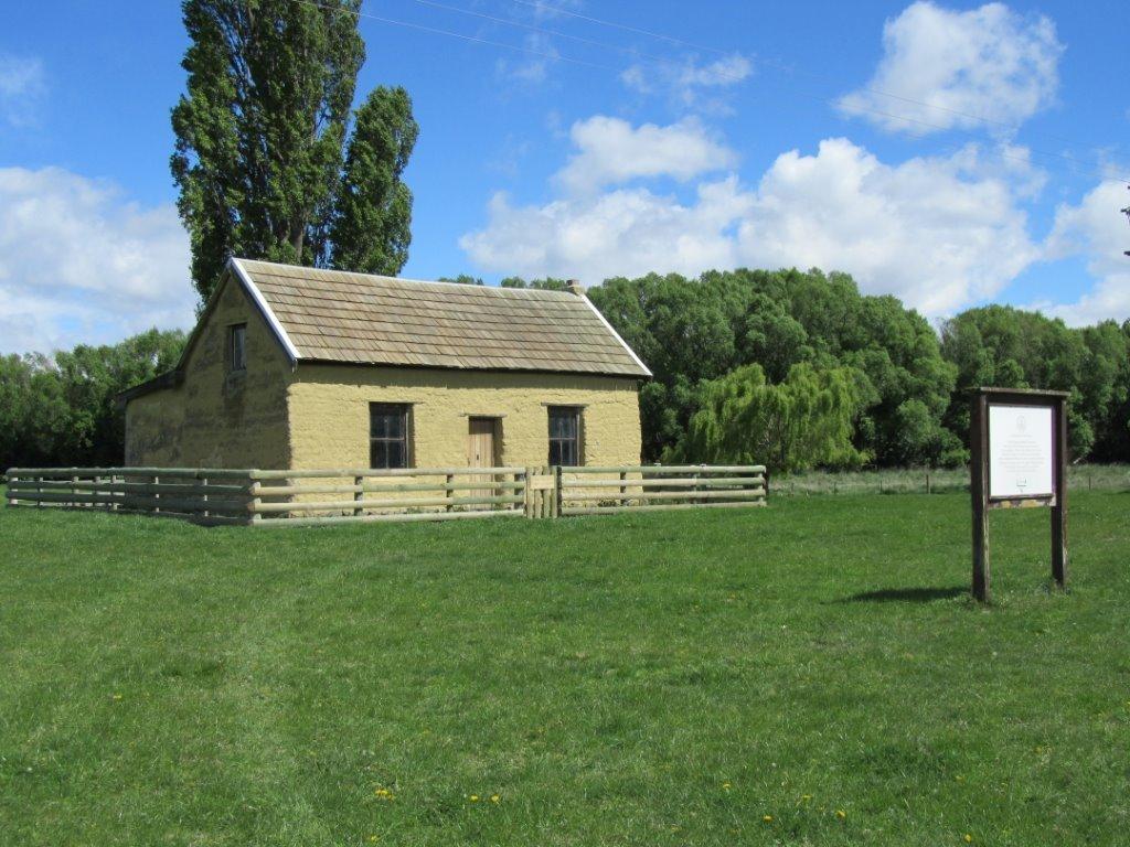 Paterson's Cottage (3).jpg