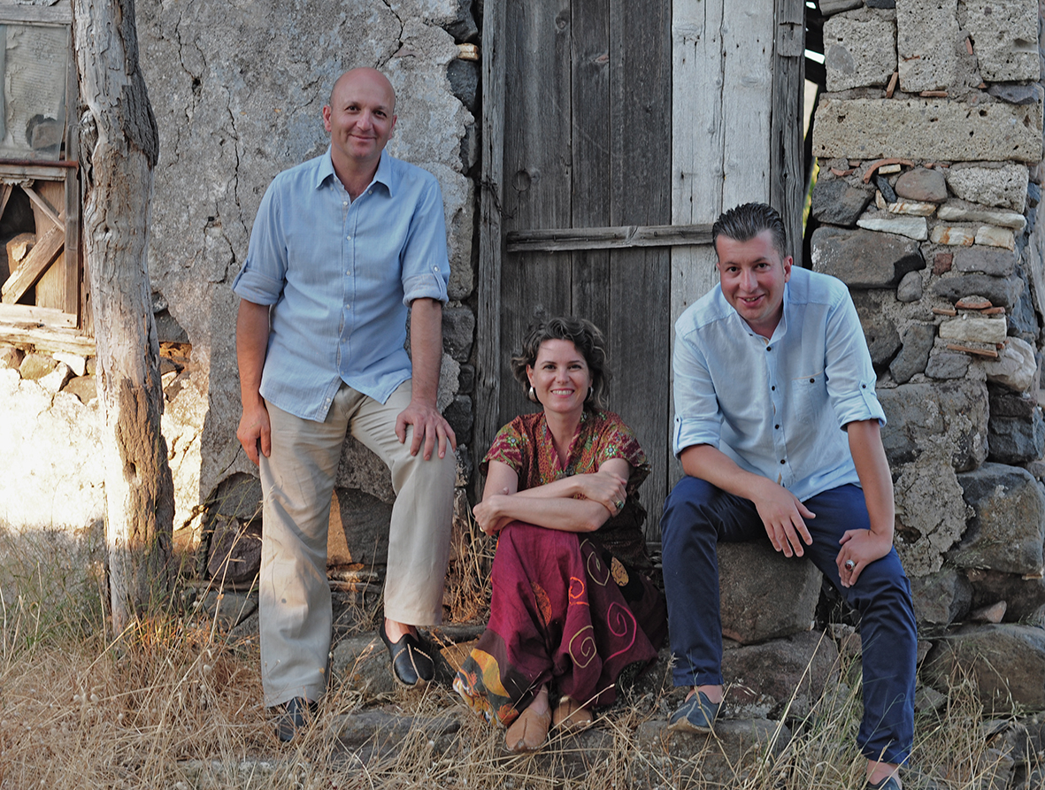 Simdi Ensemble. Photo by Utka Dervent