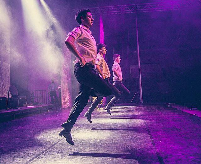 Men power of Rhythm of the Dance rocking the Sparkassen-Arena with 1000 audience!! #RhythmOfTheDance #rhythmofthedance #rhythmofthedance2017☘️ #jenagermany #sparkassenarena #irishstepdance #irishdancing #irishdancer #irishfolk #irishmusic #greatshow #irishtenors #thenationaldancecompanyofireland #irishcelts