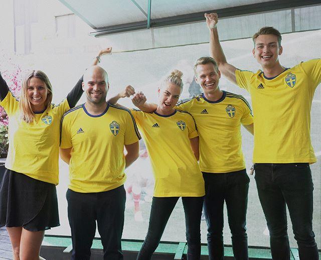 Så här taggade är #kasaifamiljen inför första Sverigematchen på måndag ❤️ Boka bord på kasai.se för den ultimata fotbollsupplevelsen 🇸🇪⚽️ Link i bio #kasaisthlm #wearekasai