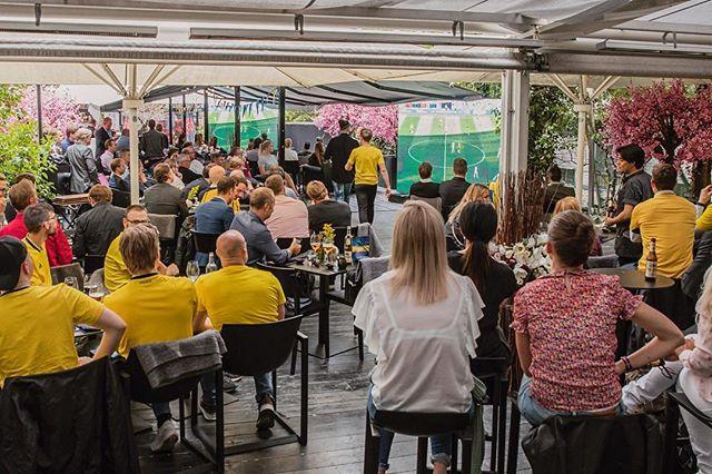 Vem längtar till nästa Sverigematch? 🙌🏻 På lördag visar vi matchen mellan Sverige och Tyskland på vår uteservering. Boka bord på kasai.se. Link i bio 🇸🇪⚽️ #wearekasai #kasaisthlm
