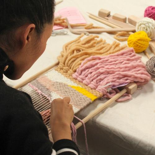 Beginners-Weaving-with-WunderWeave-2000x1500.jpg