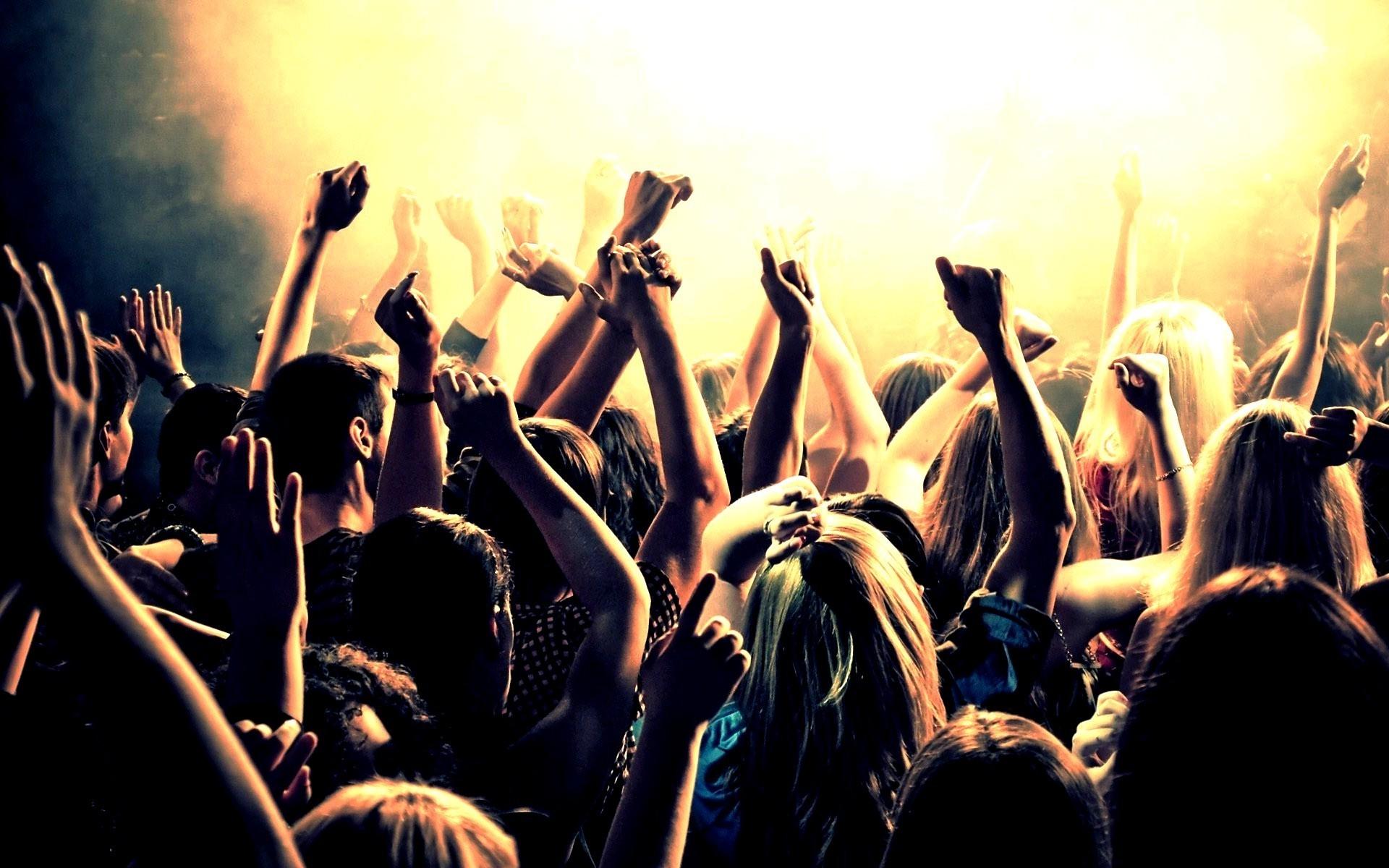 party-in-barcelona.jpg