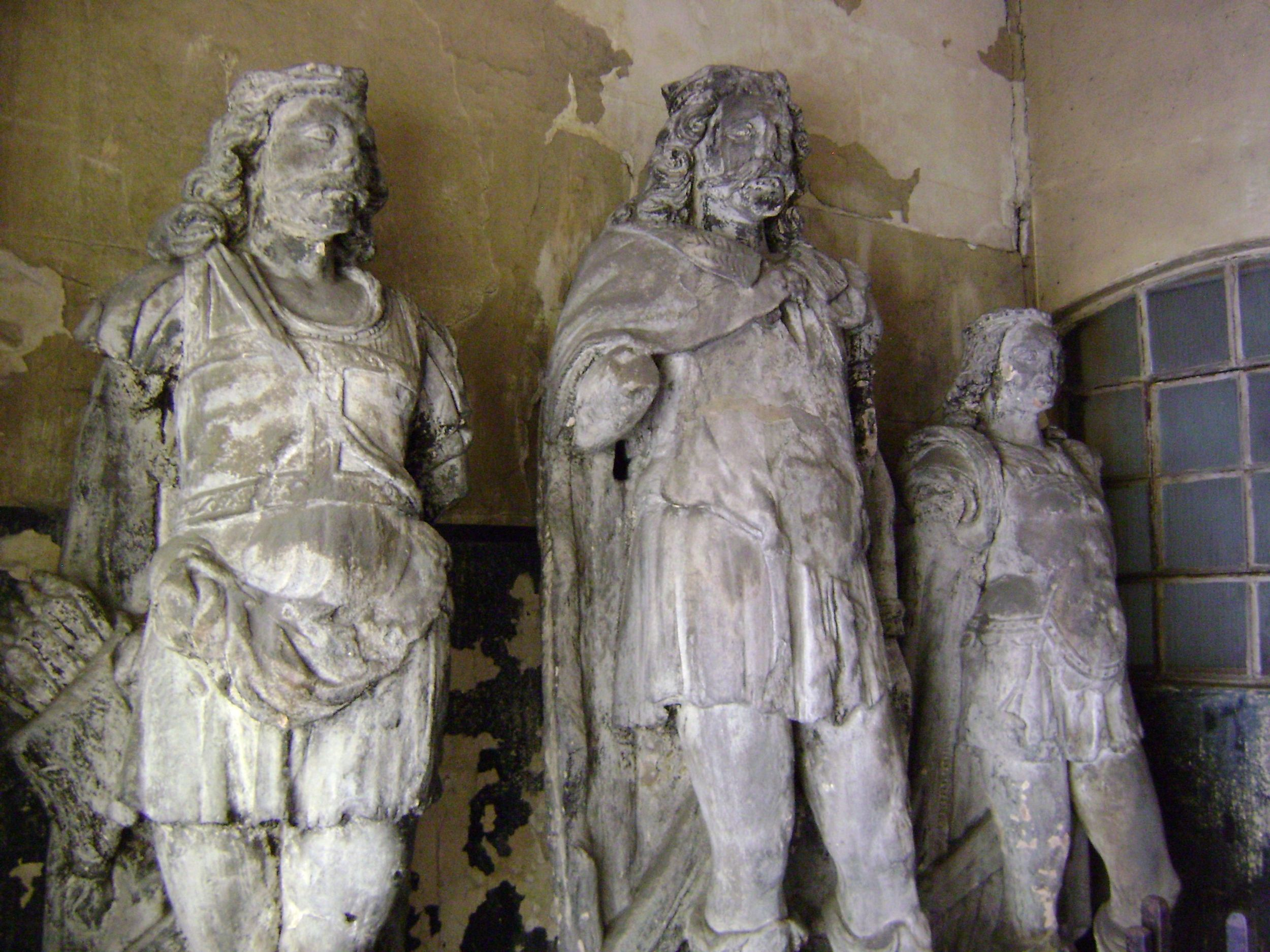 Statue of King Lud and his two sons at the Guild Church of St Dunstan, Fleet Street, London.