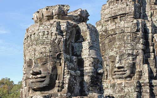 Figure 8: : Prasat Tonle Sngout contented heads with knowing faces.