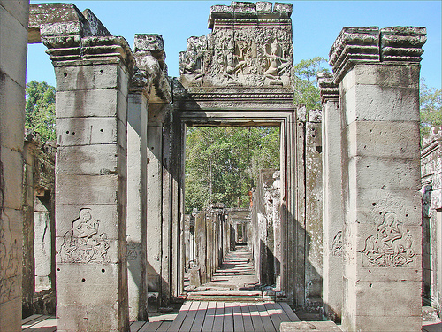 Figure 7: Prasat Tonle Sngout corridors between dimensions of Hindu space and time.