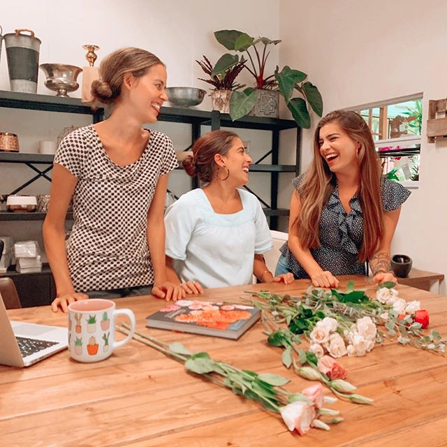 When friends get together to talk weddings, branding and life, there's sure to be some good laughs. @taylorfalconevents we love you. Come visit us anytime! **not pictured, the crying child under the counter. 🤷🏽‍♀️ #thatslife #workfriends