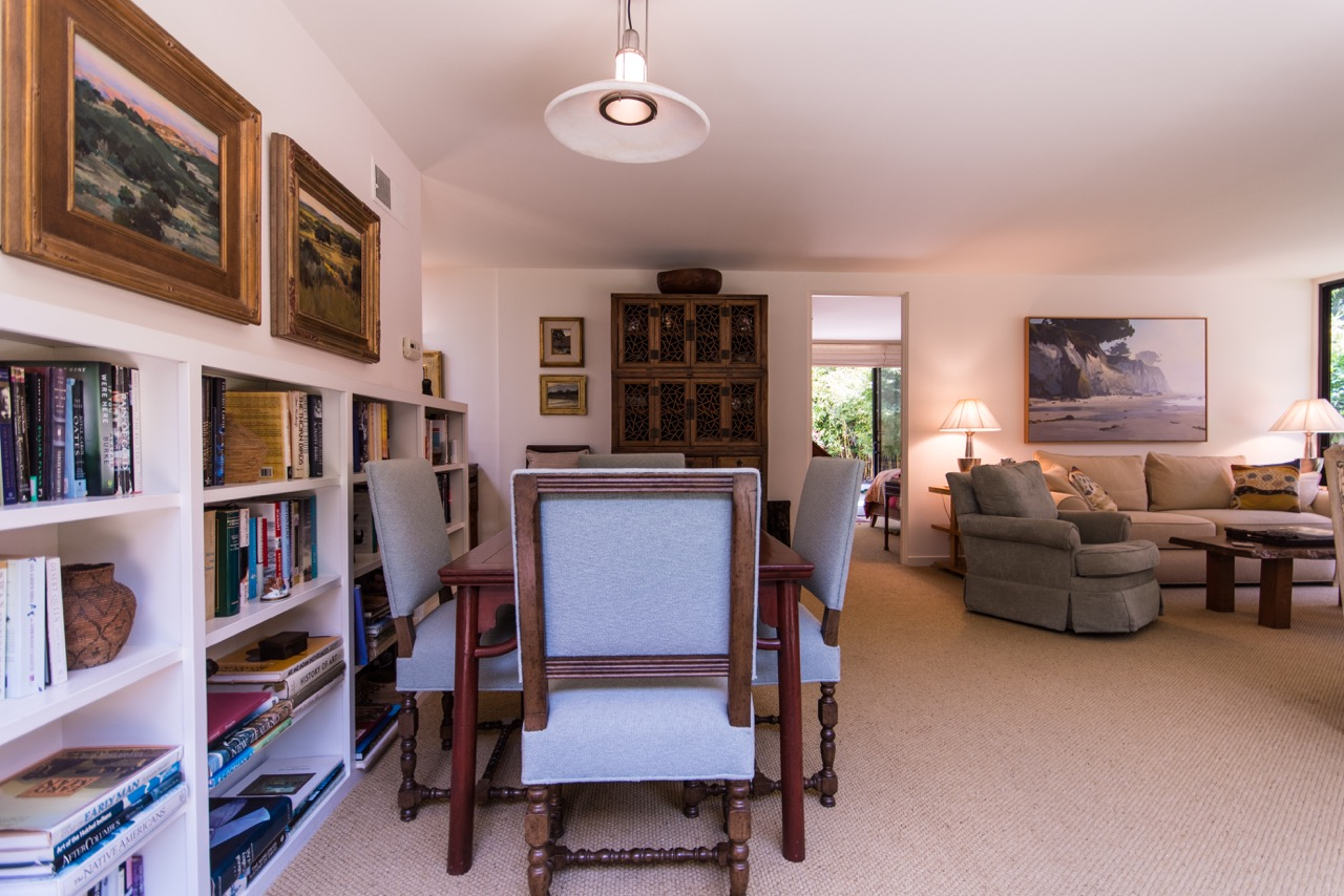1526_East_Valley_Drive_dining_room.jpeg