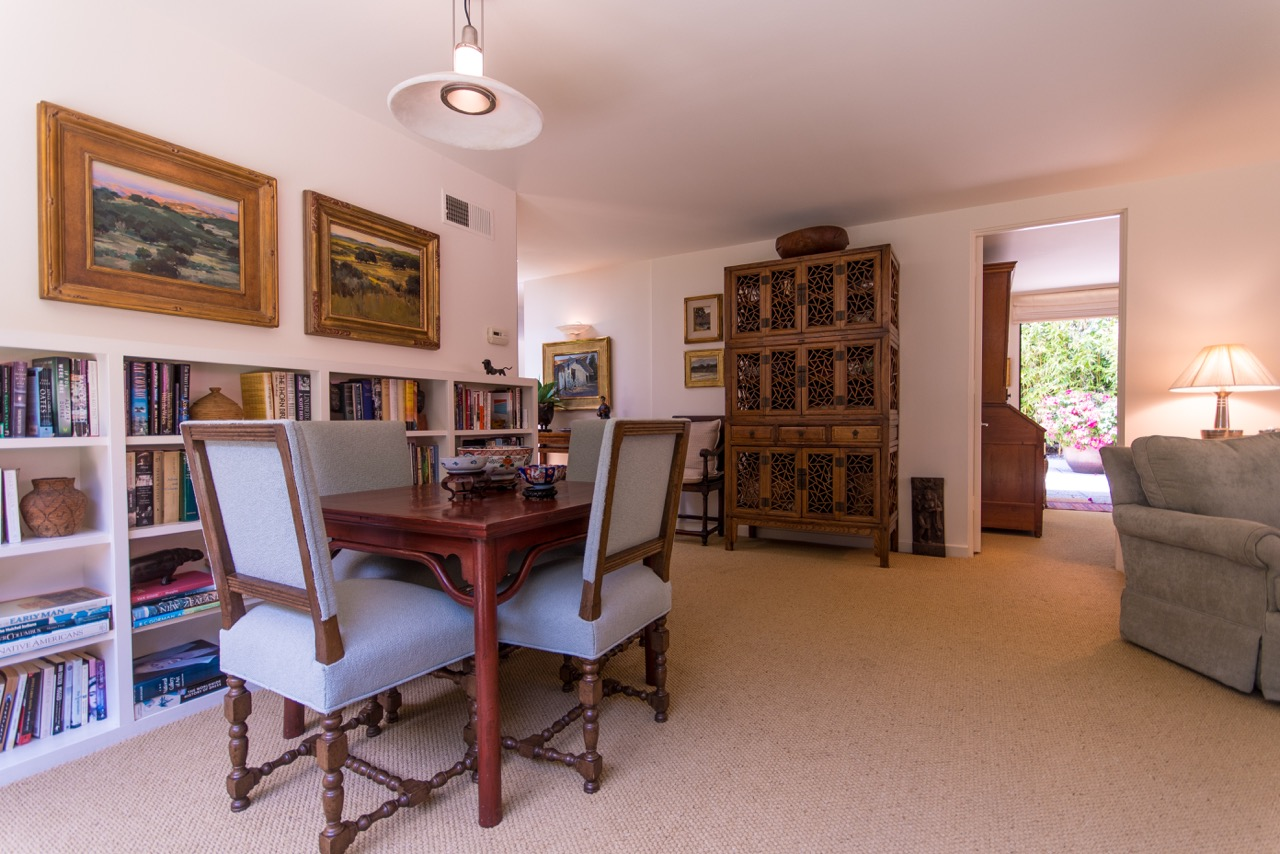 1526_East_Valley_Drive_dining_room_angle.jpeg