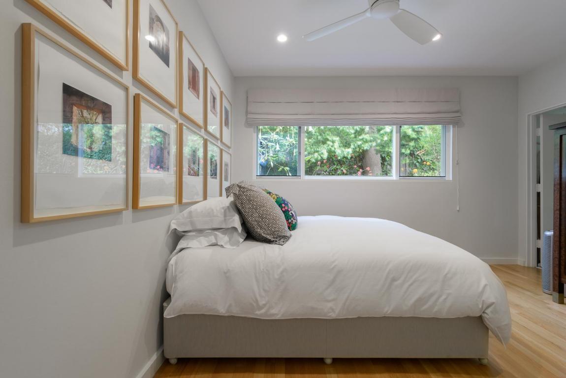2020_SantaBarbaraStreet_bedroom.jpg