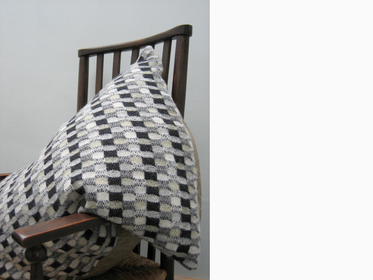 Ripple-cushion.jpg