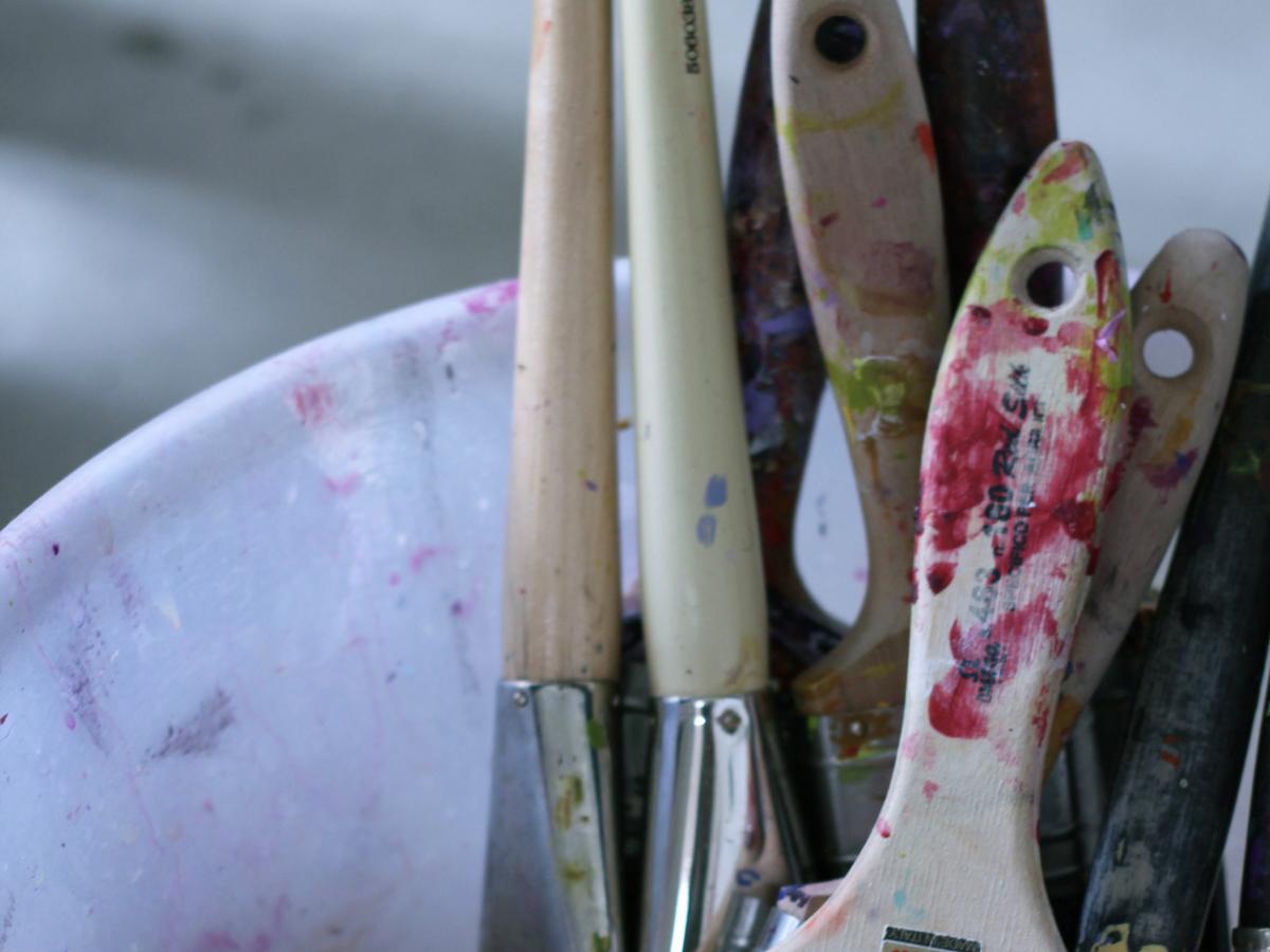 paint-brushes-in-bowl.jpg