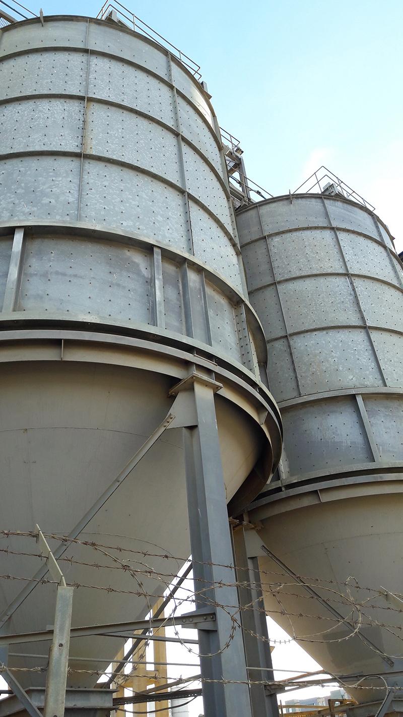Eleanor Pritchard - Aggregates yard - silos.jpg