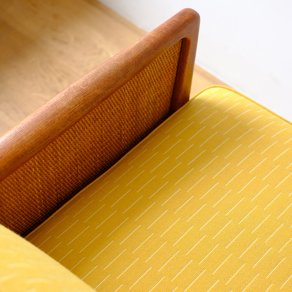 Be_Seated_Leith_sofa_with_Eleanor_Pritchard_fabric_square_4a.jpg